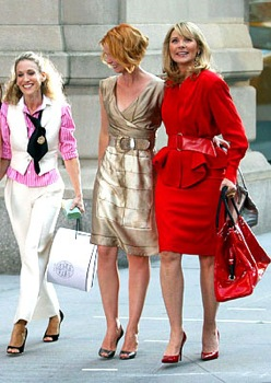 SATC characters shopping; photo courtesy of Lifestyle.IndiaInfo.com