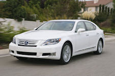 Lexus LS 600h L (photo courtey of Lexus)