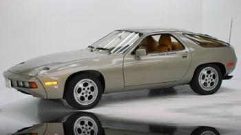 Porsche 928 Risky Business. Image courtesy Volo Auto Museum.