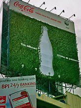 Image: Coca-Cola billboard in the Philippines made of thousands of tea plants (© Lory Tan/WWF)
