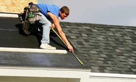 High-cost maintenance projects such as roof service and repairs were on the rise in the third quarter of 2010, according to ServiceMagic. (© Steven Puetzer/Getty Images)
