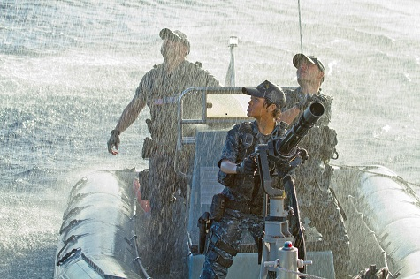 Rihanna kicks some alien butt in 'Battleship'
