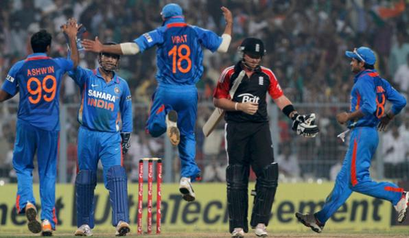 India celebrate the dismissal of Ian Bell in the final ODI