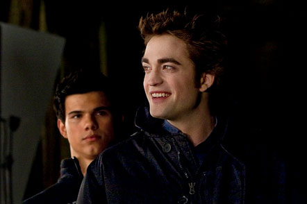 Rob and Taylor on the &quot;New Moon&quot; set