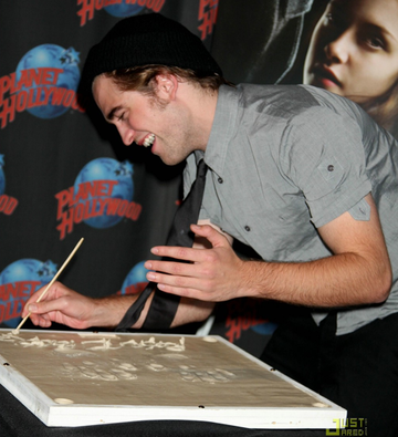 Rob at Planet Hollywood Times Square handprint ceremony