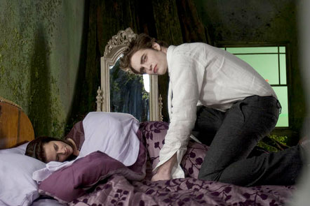Rob and Kristen on the &quot;New Moon&quot; set