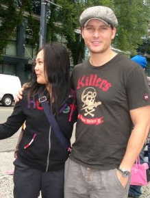 Peter Facinelli and a fan in Vancouver