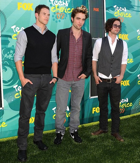 Kellan, Rob, and Jackson at the TCAs.