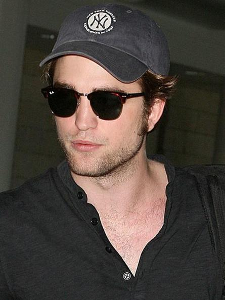 Rob leaves LAX for JFK