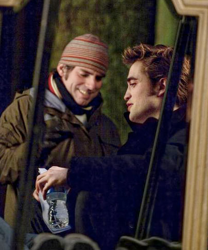 Chris Weitz and Rob on the set of &quot;New Moon&quot;