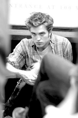 "Robert filming ""Remember Me"""
