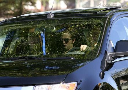 "Rob en route to ""Eclipse"" set"