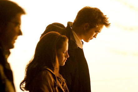 Kristen and Rob on &quot;New Moon&quot; set